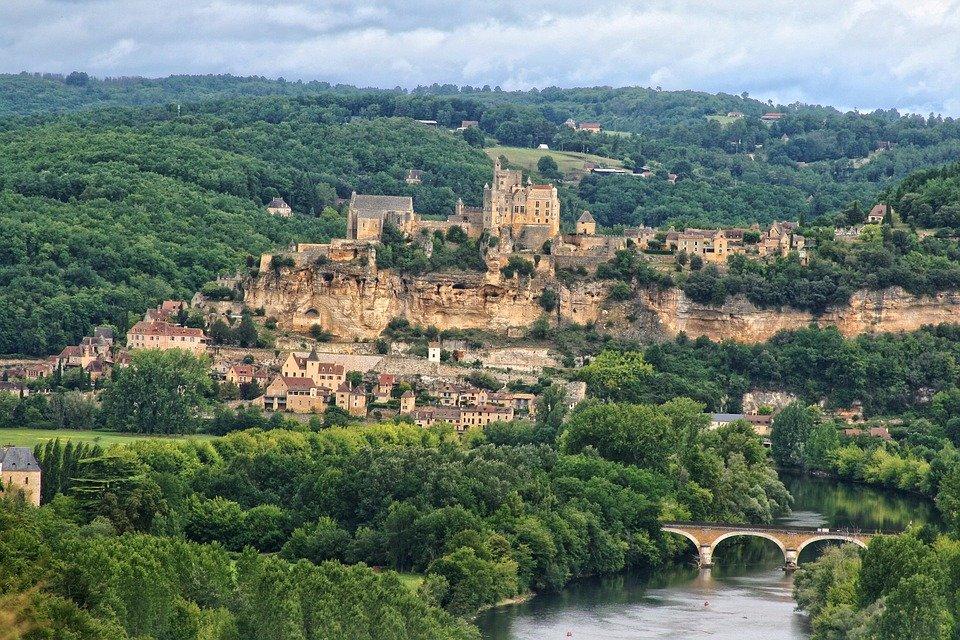 Pourquoi opter pour les mobilhomes pour vos vacances au Périgord?